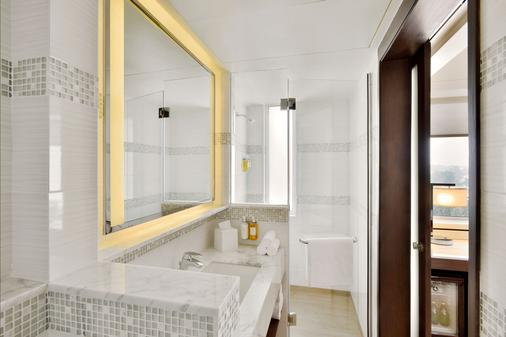 Fairfield by Marriott Kathmandu - Kathmandu - Bathroom