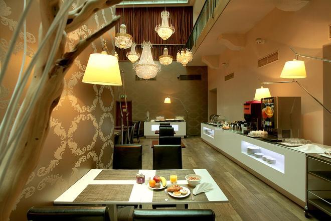 Friday Hotel - Praha - Ravintola