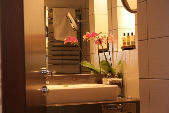 Friday Hotel - Praha - Kylpyhuone