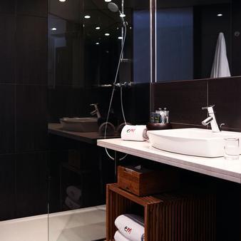 Hotel Villa Emilia - Barcelona - Bathroom