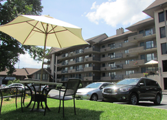 Arbors at Island Landing Hotel & Suites - Pigeon Forge - Building