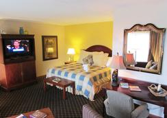Arbors at Island Landing Hotel & Suites - Pigeon Forge - Bedroom