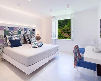 Hotel Amalfi - Amalfi - Bedroom