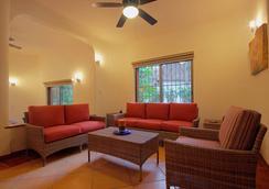 瑪雅海濱度假套房酒店 - 普拉亞卡門 - 客廳