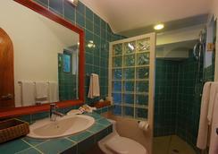 瑪雅海濱度假套房酒店 - 普拉亞卡門 - 浴室