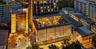 曼谷素坤逸希爾頓逸林酒店 - 曼谷 - 建築