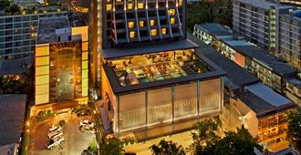 DoubleTree by Hilton Hotel Sukhumvit Bangkok - Bangkok - Edifício