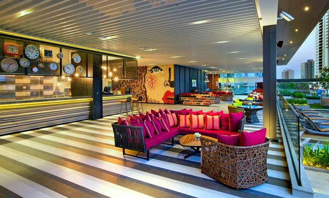 DoubleTree by Hilton Sukhumvit Bangkok - Bangkok - Bar