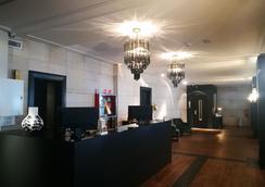 法國旅行者飯店 - 僅供成人入住 - 巴塞隆納 - 櫃檯