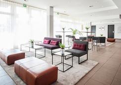 Azimut Hotel Munich - Munich - Lobby