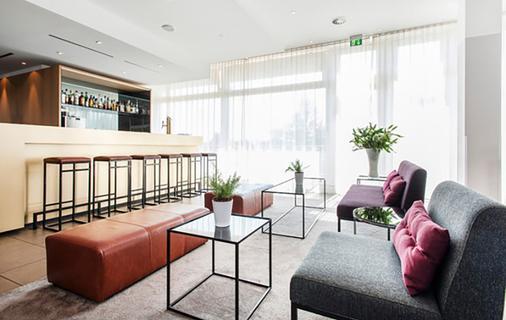 Azimut Hotel Munich - Munich - Bar