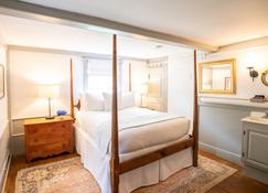 Anchor Inn - Nantucket - Bedroom