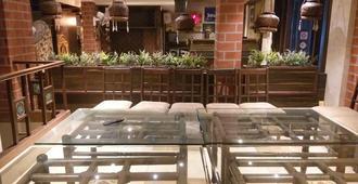 Sweet Dream Dormitory - Bhavnagar - Restaurante