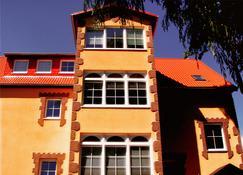 Binzhotel Landhaus Waechter - Binz - Rakennus