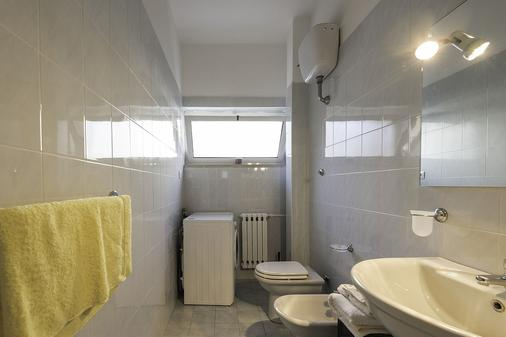 Archita Guest House & Apartment - Bari - Bathroom