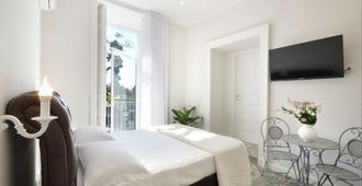 Barbarella Home - Naples - Bedroom