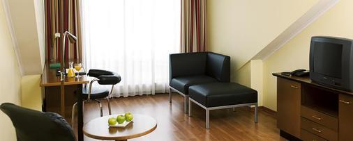 慕尼黑南市 NH 酒店 - 慕尼黑 - 慕尼黑 - 客廳
