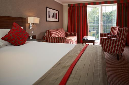 The Bull Hotel - Gerrards Cross - Bedroom