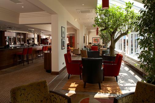 The Bull Hotel - Gerrards Cross - Bar