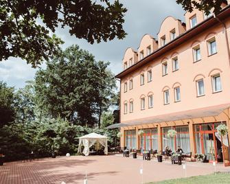 Garden Park Hotel - Wieliczka - Edificio