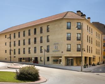 F&G Logroño Hotel - Logroño - Gebäude