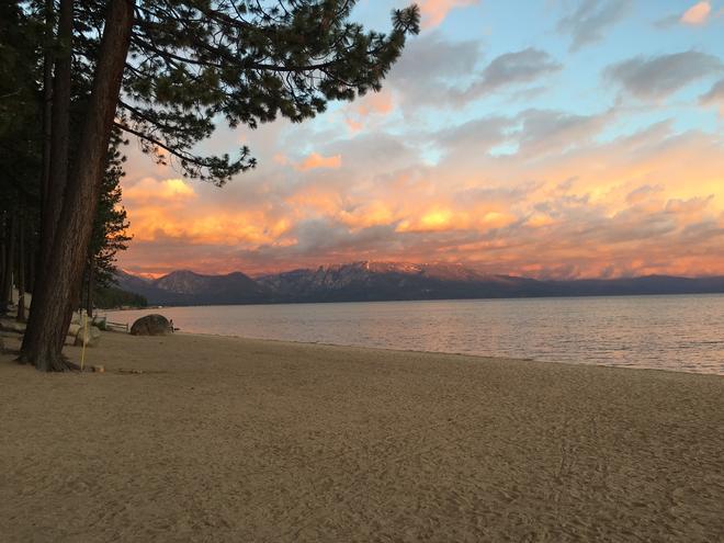 The Beach Retreat & Lodge at Tahoe - South Lake Tahoe - Beach