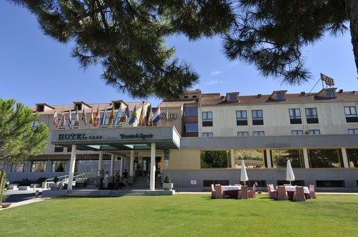 塞戈維亞之門酒店 - 拉拉斯特里利亞 - 塞哥維亞 - 建築