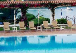 Hotel Agamenon - Es Castell - Pool