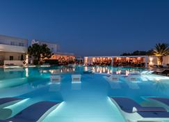 Hotel Imperial Med & Spa - Thera - Piscina