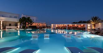 Imperial Med Resort & Spa - Σαντορίνη - Πισίνα