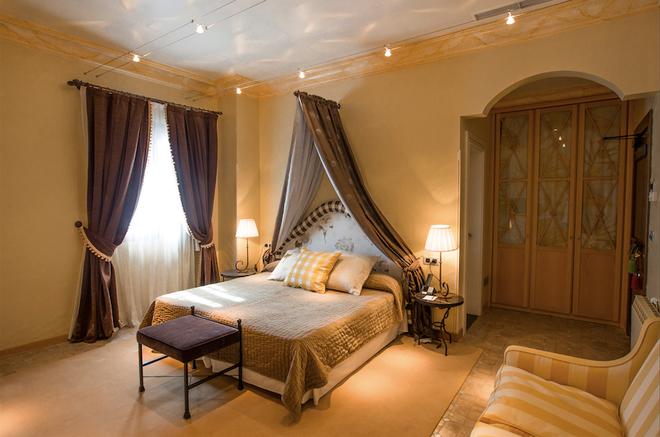 Chateau Pago De Cirsus - Ablitas - Bedroom