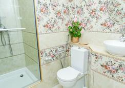 Dom Kumovicha - Saint Petersburg - Bathroom