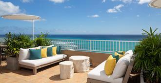 Aston Waikiki Beach Hotel - Honolulu - Innenhof