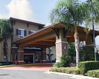 Comfort Inn and Suites Near Ontario Airport - Ontario - Gebouw