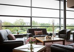 Hotel Lille Europe - Lille - Oleskelutila