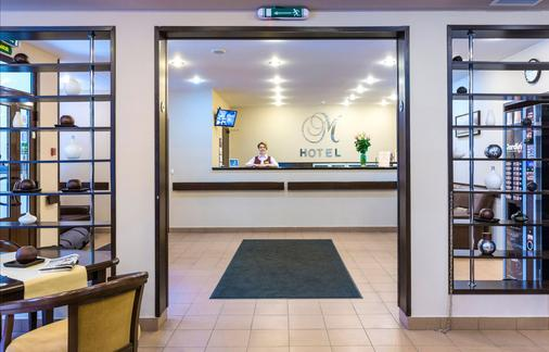 M Hotel - Saint Petersburg - Front desk