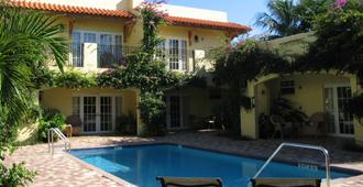 Grandview Gardens Bed & Breakfast - West Palm Beach