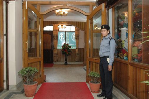 Festoon Hotel - Kathmandu - Front desk