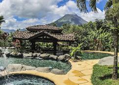 Mountain Paradise Wellness & Spa - La Fortuna - Pool