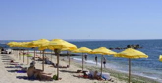 رويال بيتش - غولدن ساندز - شاطئ