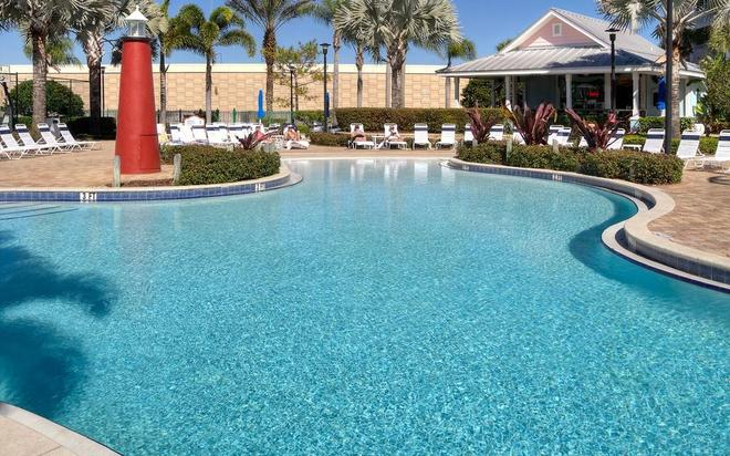 Holiday Inn Express & Suites S Lake Buena Vista - Kissimmee - Pool