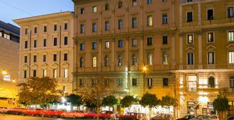 Hotel Ranieri - Rome - Building