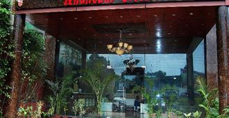 Treebo Trend Anandam Resort - Rishīkesh - Building