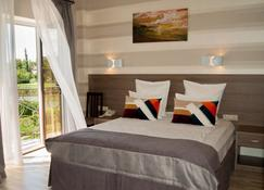 Hotel Hemingway - Krasnodar - Quarto
