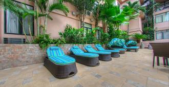 Grand Hotel Guayaquil Ascend Hotel Collection - Guayaquil - Patio