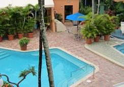 Victoria Park A North Beach Village Resort Hotel - Fort Lauderdale - Uima-allas