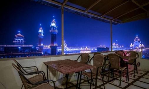 Hotel Indus - Amritsar - Balcony