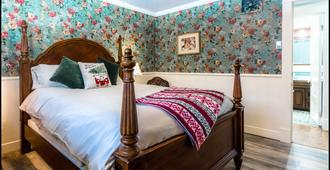 Secret Garden Bed & Breakfast - Ouray - Bedroom