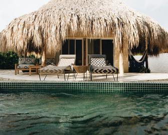 Blue Apple Beach House - Tierra Bomba - Bedroom