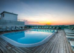Hotel Universal - Cattolica - Pool